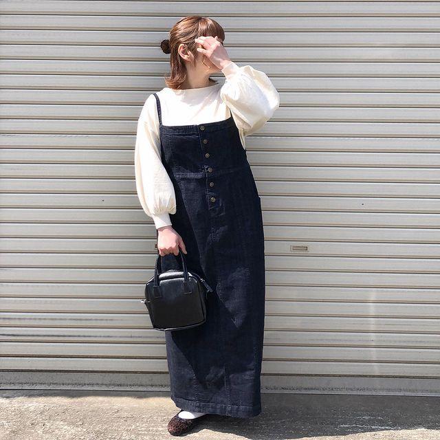 ジャンスカを使用した韓国ファッションコーデ