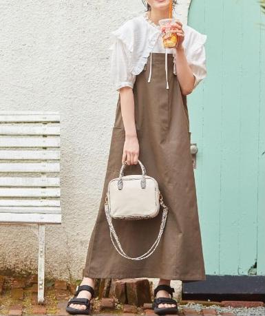 ジャンスカ×カジュアルシューズのぽっちゃり韓国ファッション