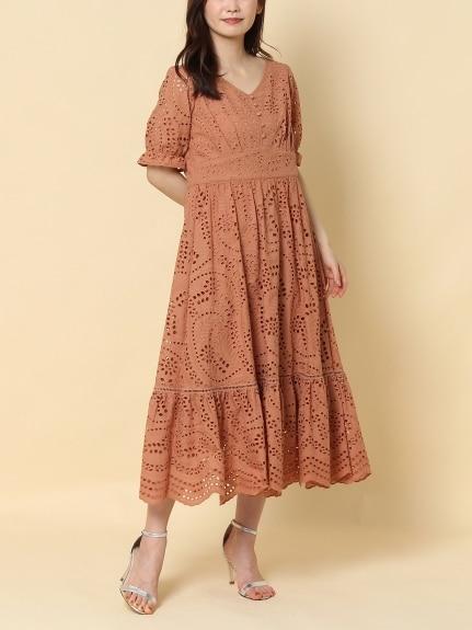 タイトシルエットワンピースのぽっちゃり韓国ファッション