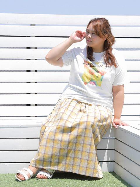 プリントTシャツのぽっちゃりコーデ