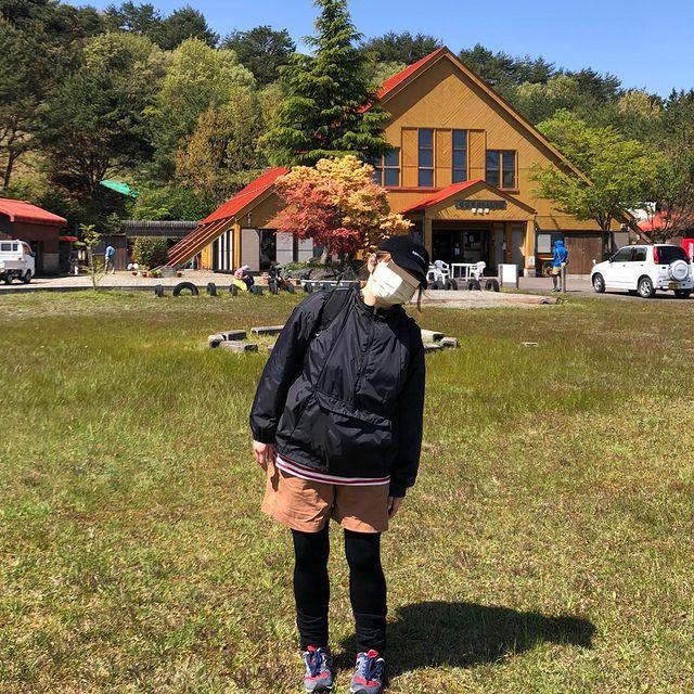 女子キャンプにおすすめのトレンドスポーティーぽっちゃりコーデ